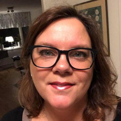 Annika Mowitz sköter Facebook gruppen klimakteriekärringar