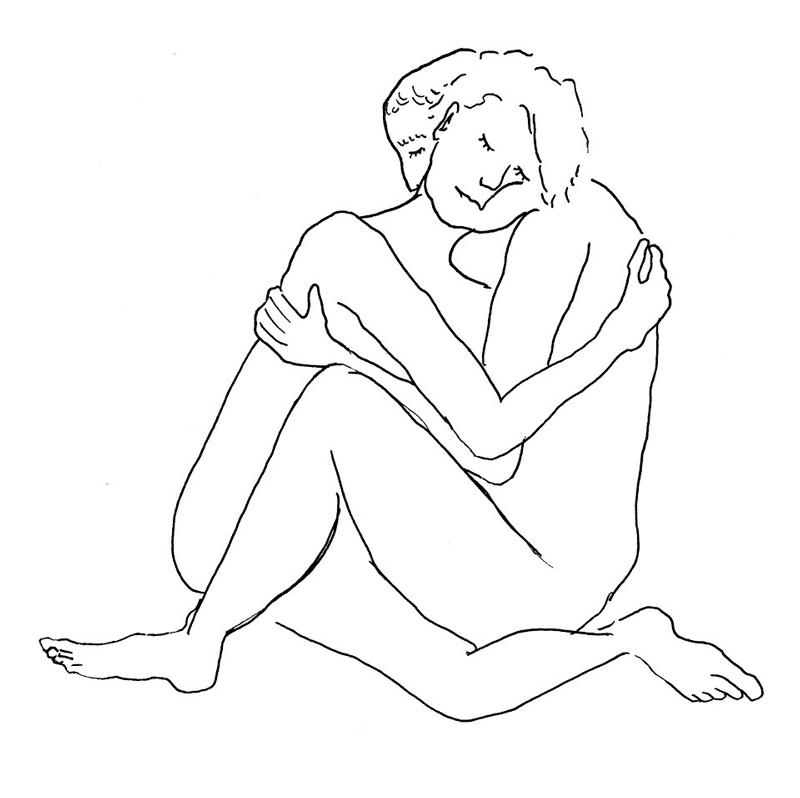Två nakna personer, en man och en kvinna, sitter på golvet tätt omslingrande