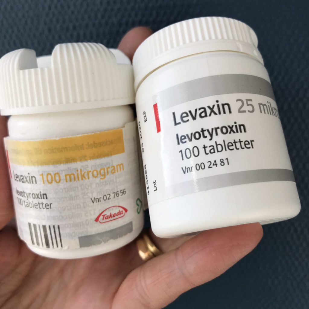 Två burkar med Levaxin