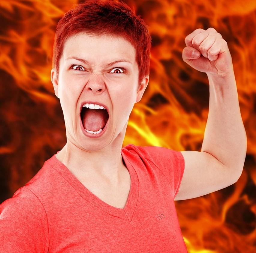 arg kvinna